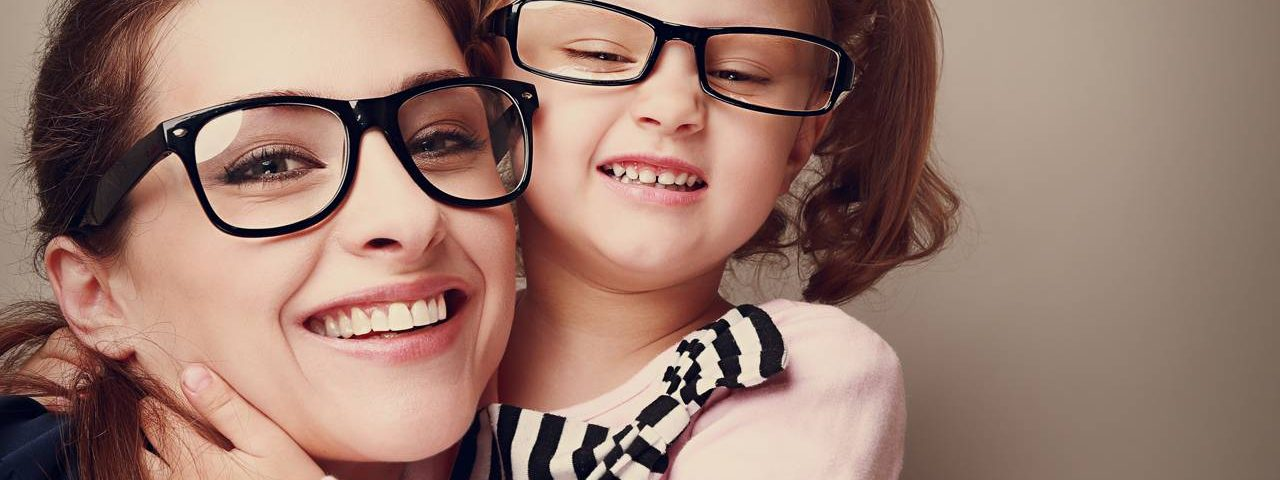 happy_mother_daughter-1280x480
