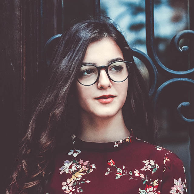 young-woman-glasses-dark_640