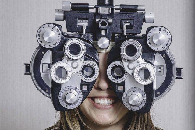 girl_eye_exam2 bkground_sm e1542273099785 640x427
