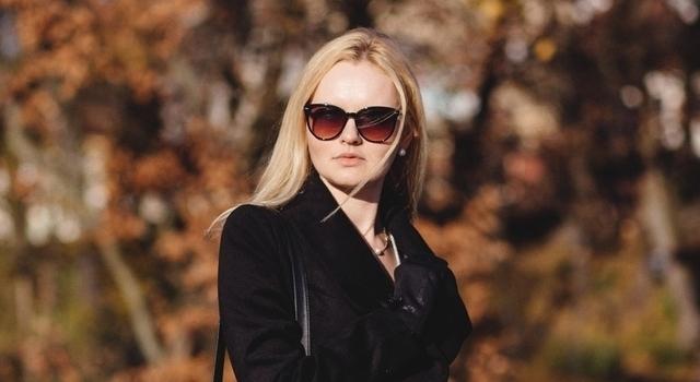 woman-wearing-sunglasses-640x350