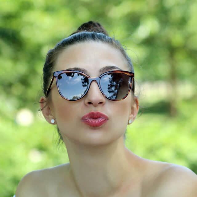 girl-glasses-nature_640
