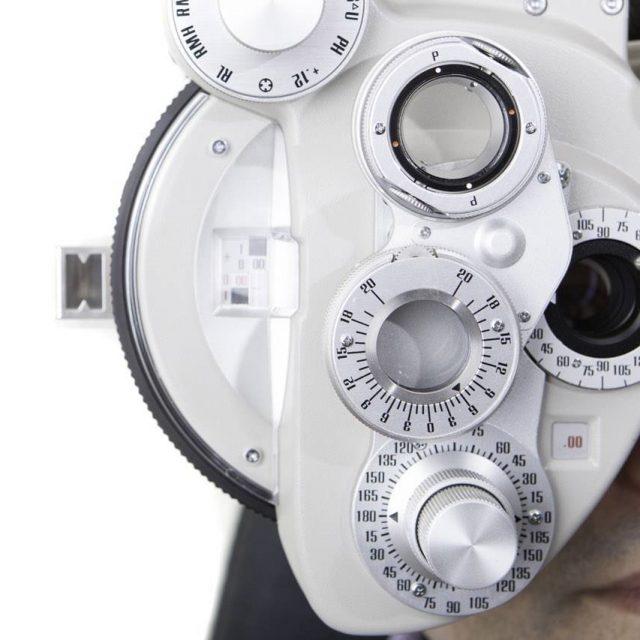 patient-behind-phoropter-640x640
