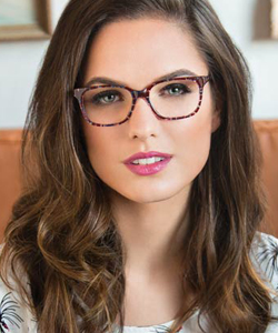 Model wearing FYSH GLASSES