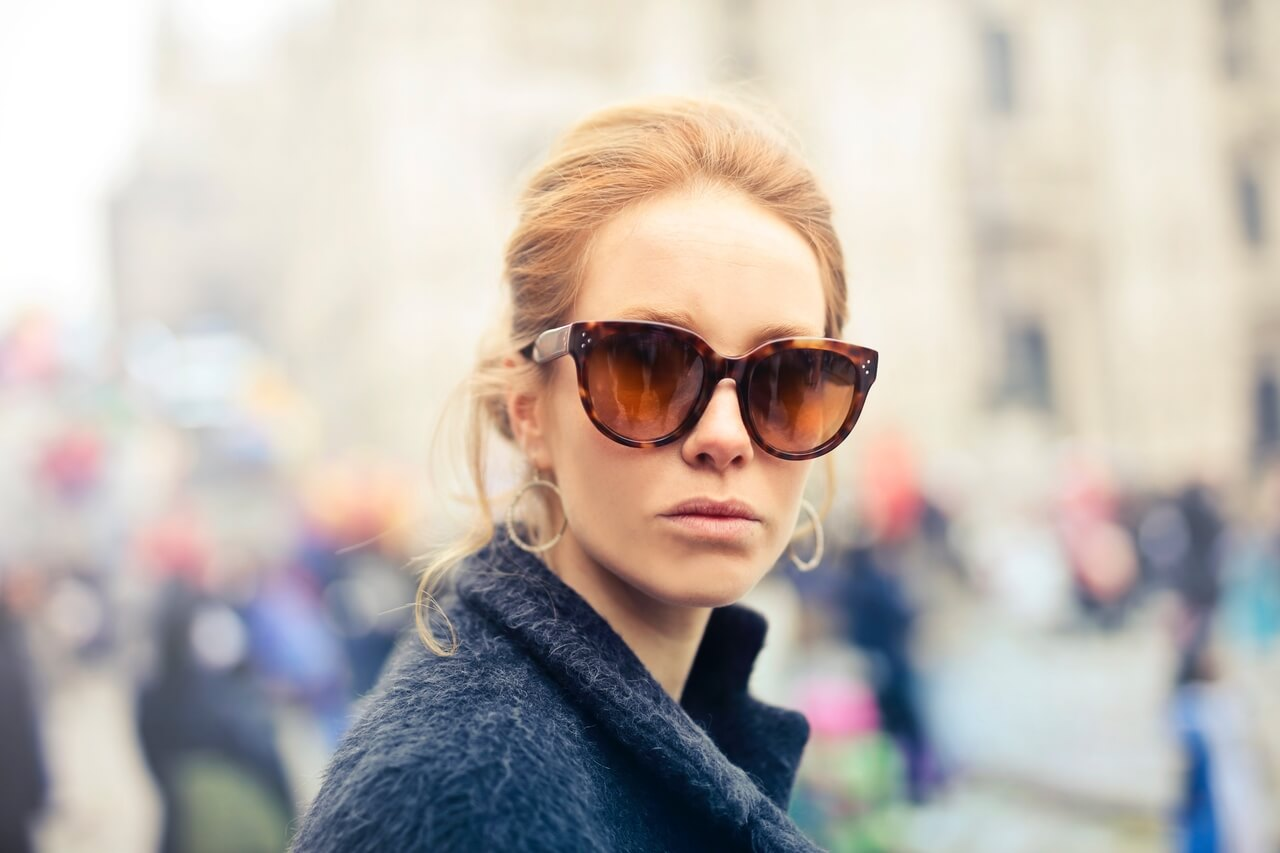woman blond sunglasses 1280x853