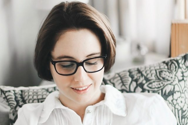 girl glasses reading 1280x853