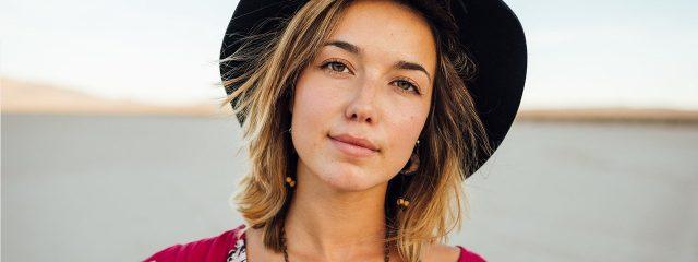 Woman Black Hat Beach 1280x480 640x240