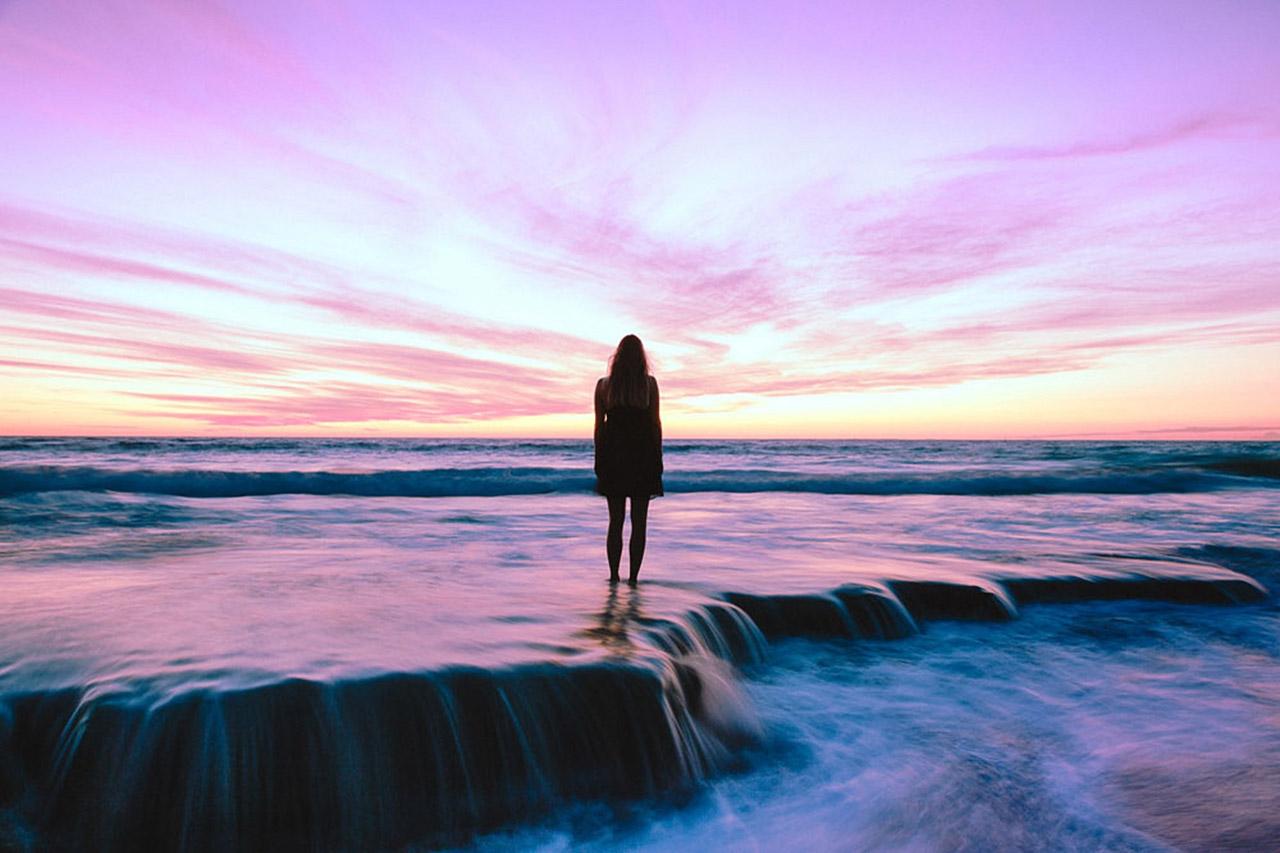 Beach purple sky girl 1280X853