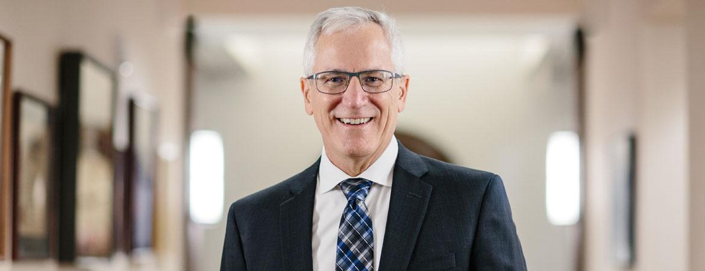 Dr Micheal Richie
