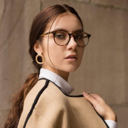 girl-wearing-round-eyewear-640-427x427