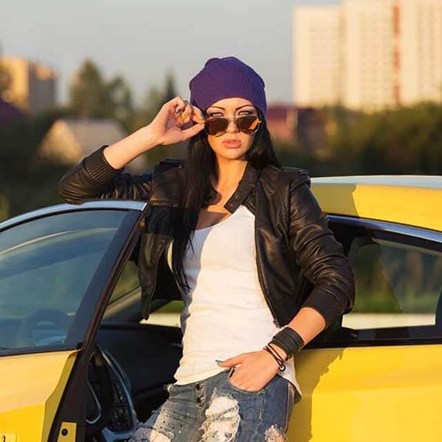 woman wearing designer sunglasses in Woodside