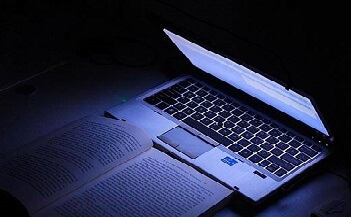 blue light computer 640