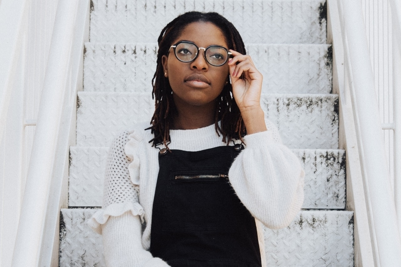 african-american-girl-glasses_1280x853