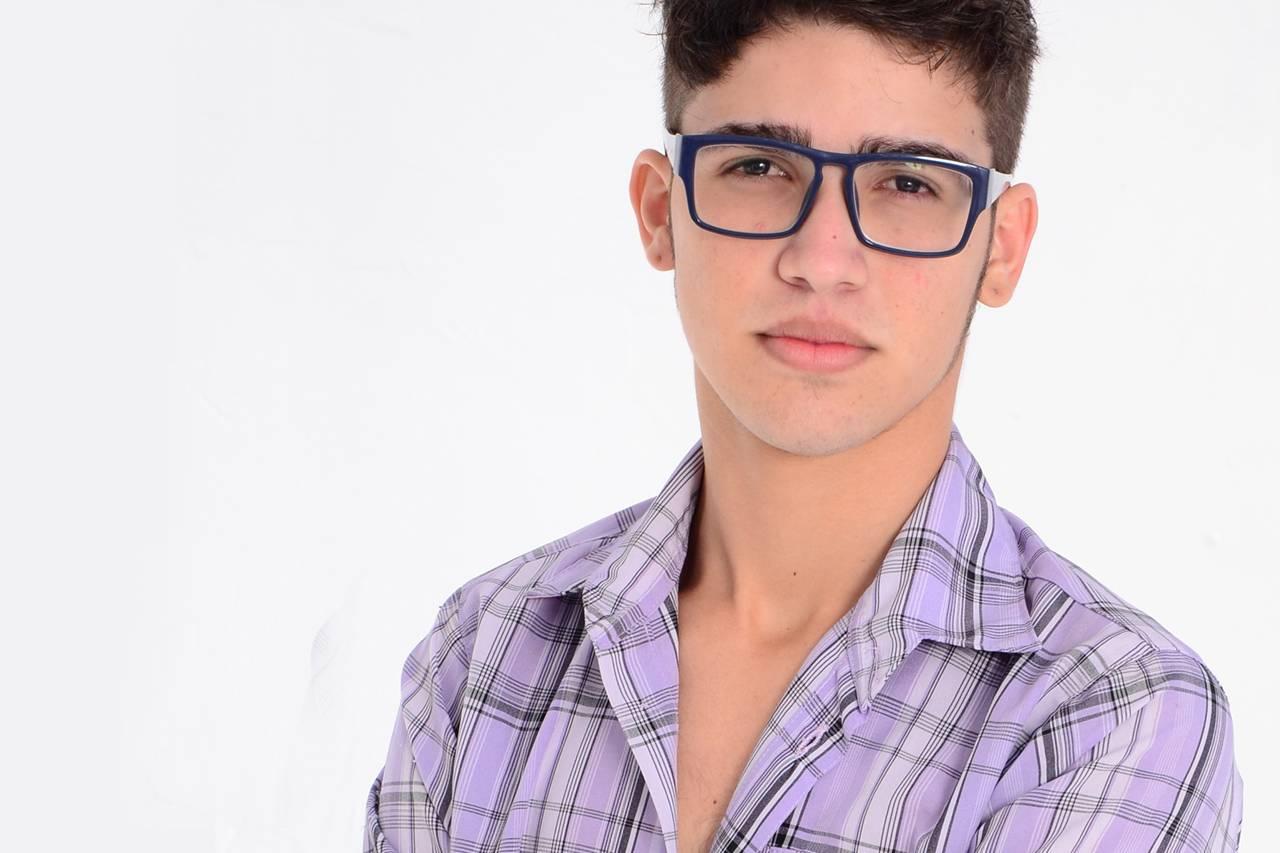 Teen Boy Blue Glasses 1280×853