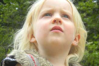 thumbnail Female Child Looking Upward 1280×480.jpg