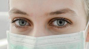 woman wearing a mask 640