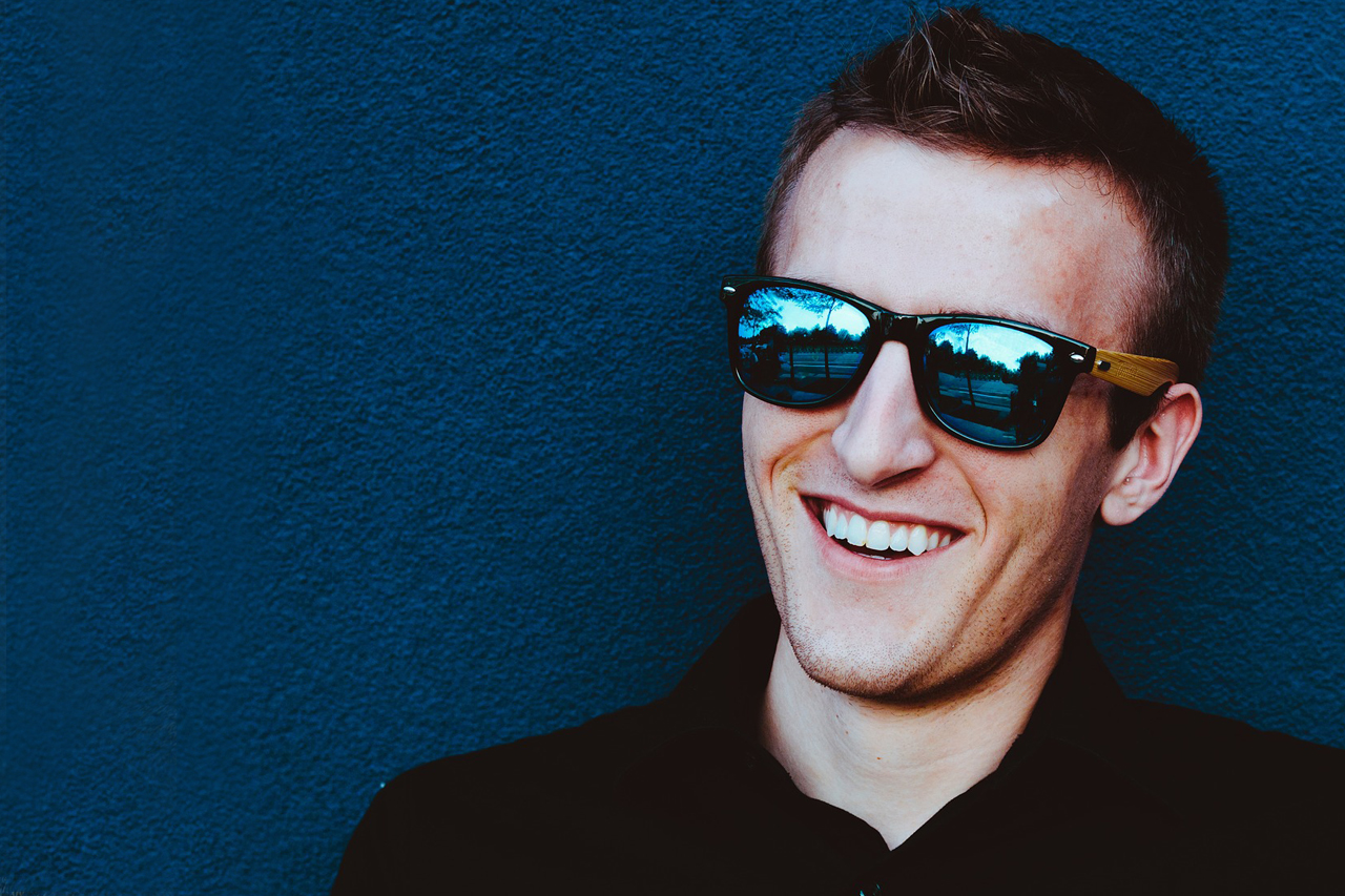 Man Sunglasses Blue Background 1280×853