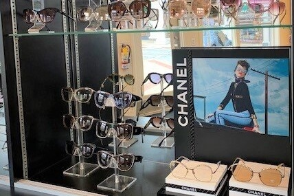 Chanel eyewear display