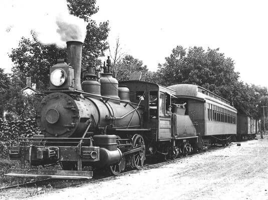 old train transportation in palatine.jpg