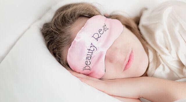 Brampton eye doctor treating eye open during sleep