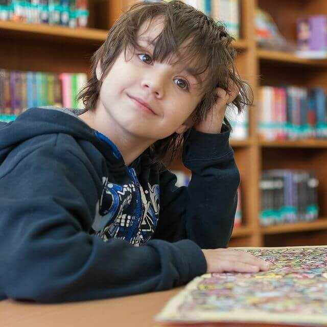 child library smiling reading 640px