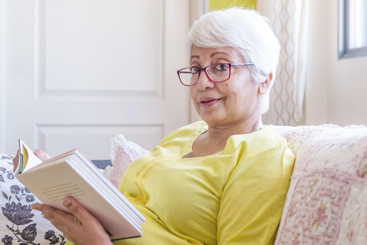 granny glasses book sofa 1280