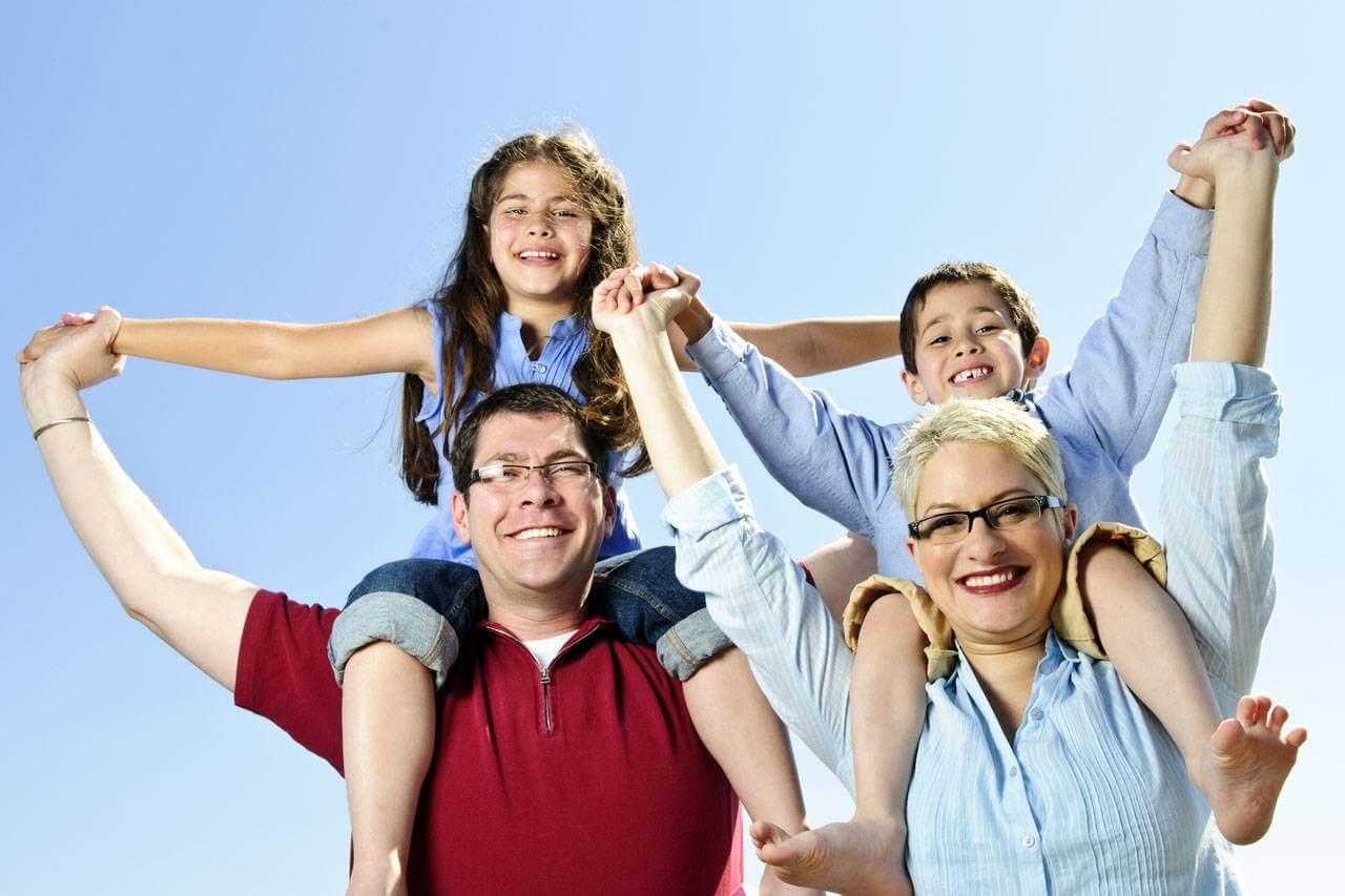 Happy Family Parents Glasses 1280×853
