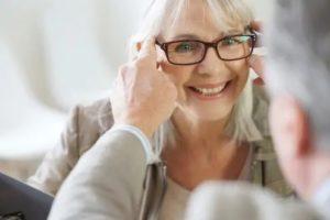 senior glasses optician