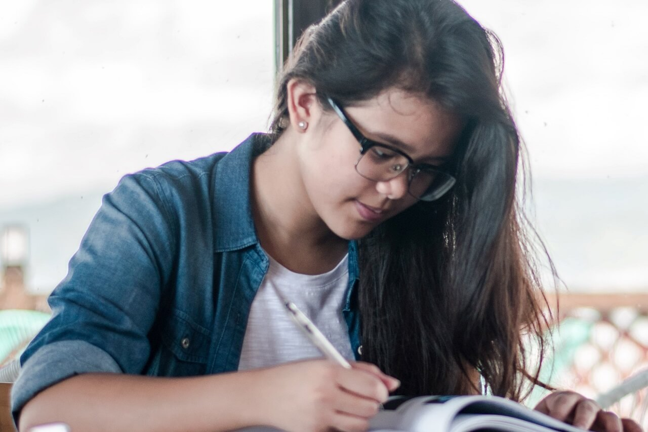 girl student studying