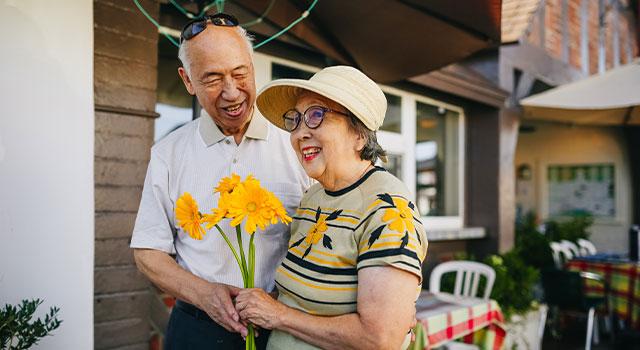 senior man and woman 640