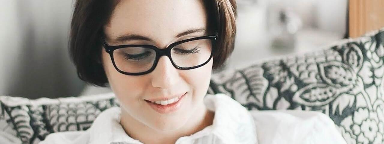 woman glasses reading 1280x480