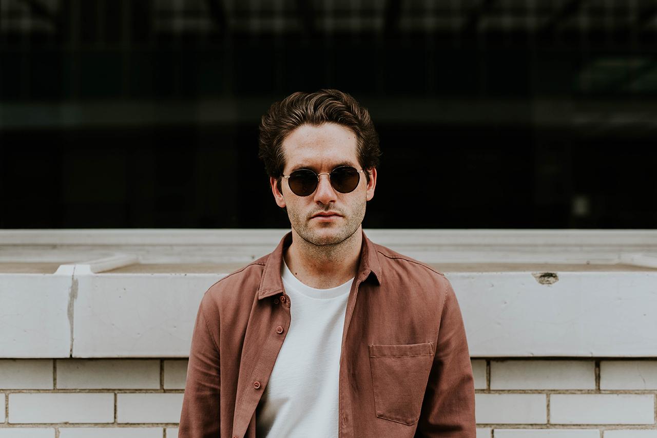 guy-w-shades-neutral-shirt_1280x853