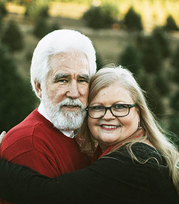 middle-age-couple-smiling