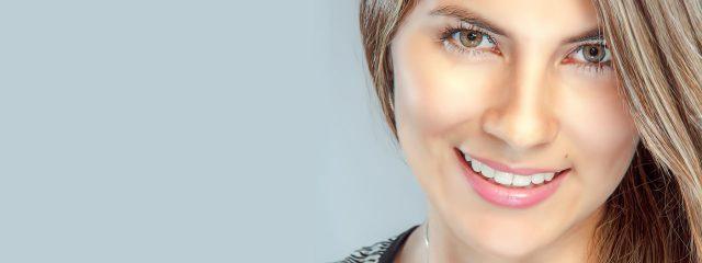 Woman Smiling Pretty Eyes 1280x480 640x240