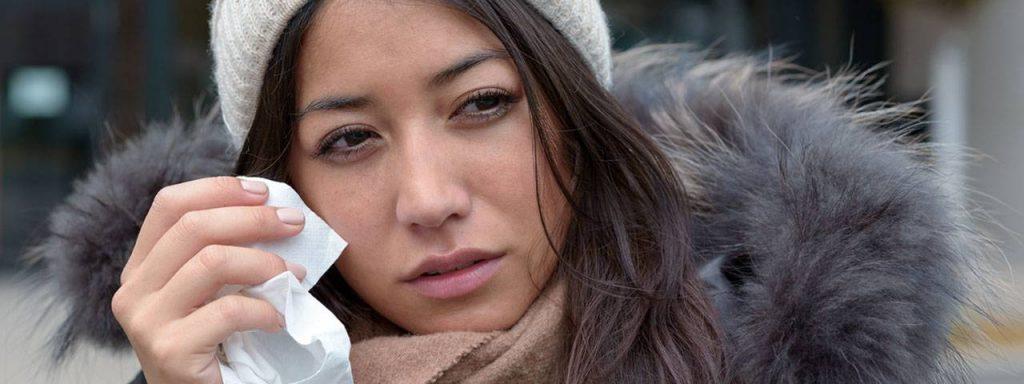 Woman Teary Eye Winter 1280×480 1024×384
