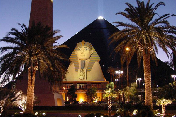 Piramide e Esfinge do Hotel Luxor