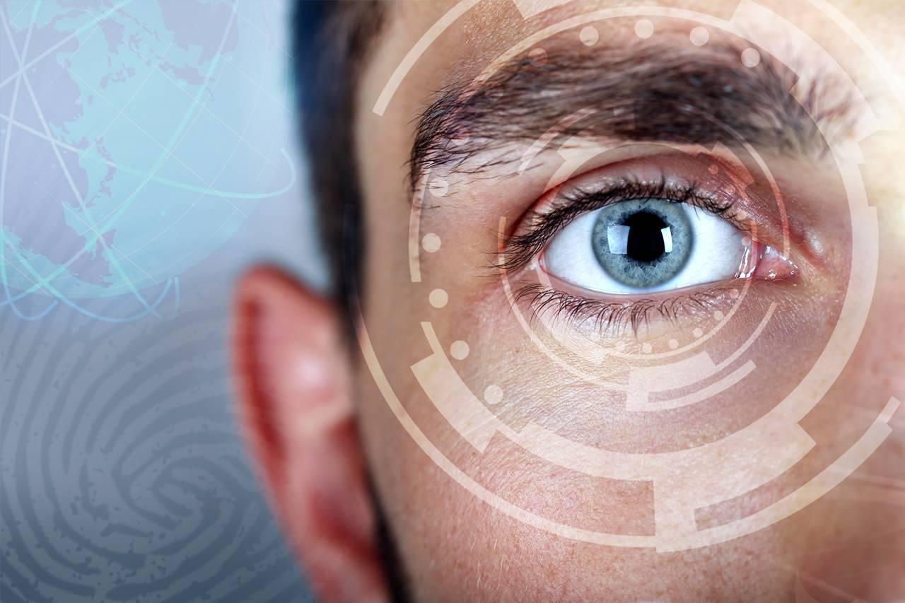 eye-technology-male