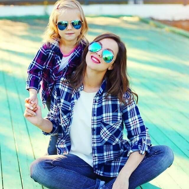 mother-and-daughter-wearing-sunglasses-640