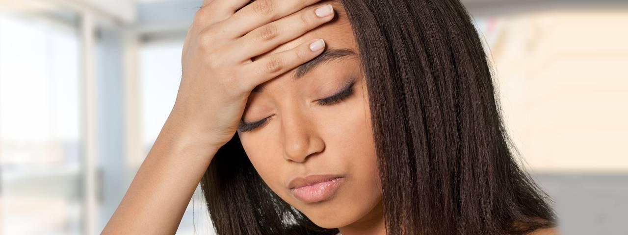 eye disorder headache african american woman 1280×480 1280×480