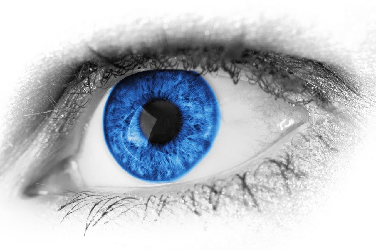 Blue eye specialty contact lenses in Hartsdale, NY