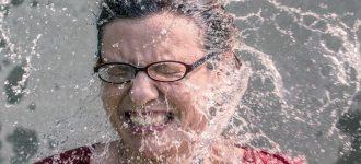 woman_glasses_water_splashing_1280x480 330x150