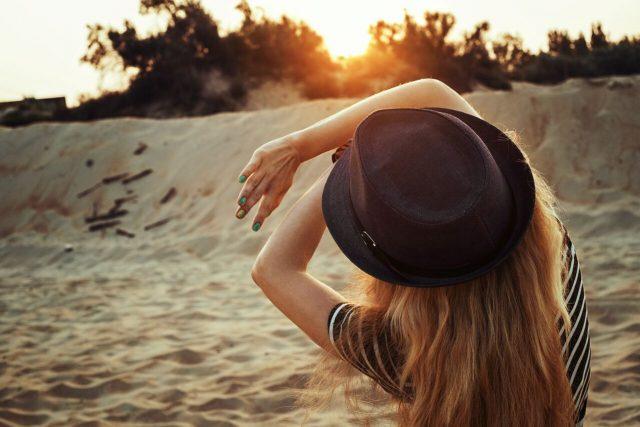 Girl at beach, eye care, eye exam, Olathe, KS