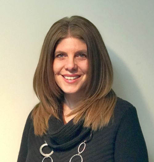 Amy-Horetz-Optician-Apprentice-200x300