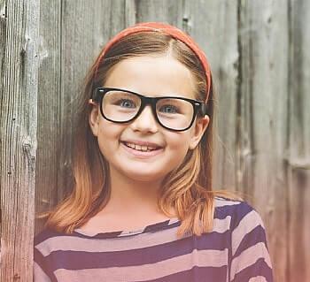 girl glasses min