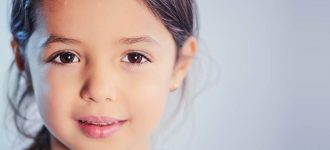 child sparkle brown eyes 330x150