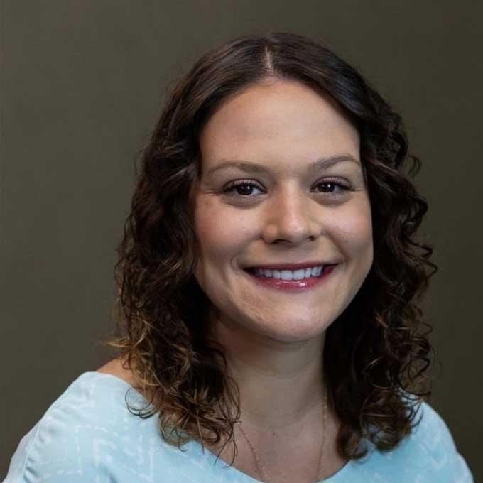Dr.-Amanda-Younger-Eye-Doctor-Hillsboro-Wentzville-OFallon-St-Peters-MO