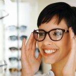pretty girl trying glasses 1280x480 1024×384