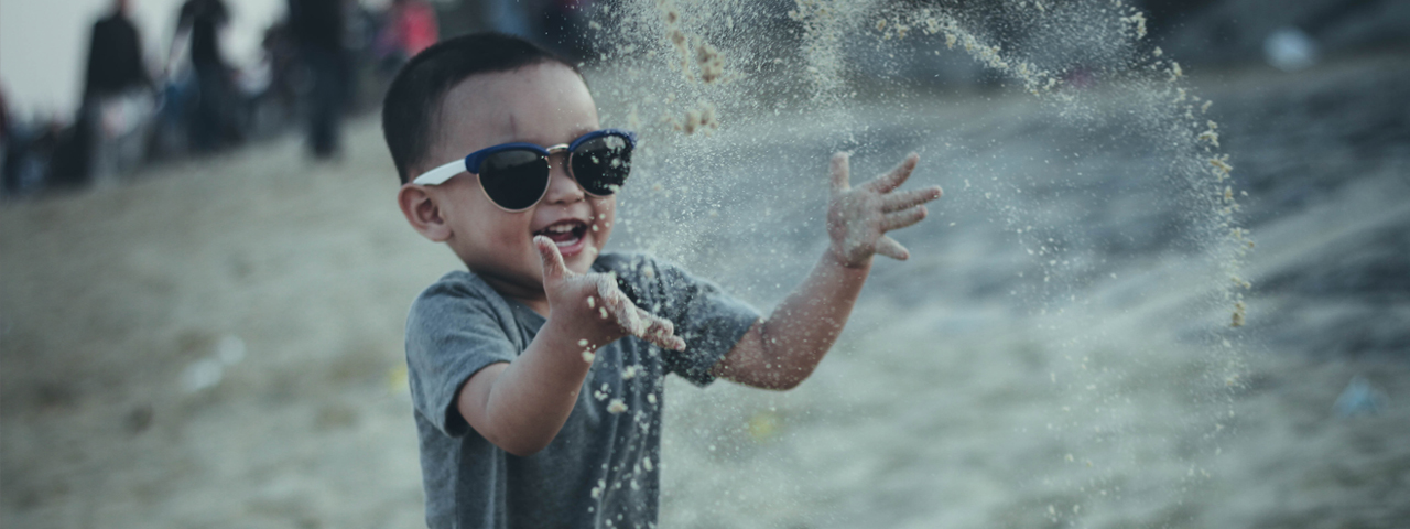 Boy Sunglasses Splashing 1280x480