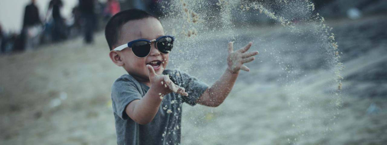 Boy Sunglasses Splashing 1280x480