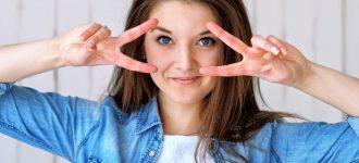 Optometrist, woman blue eyes in St. Charles, St. Peters, Creve Coeur & Wentzville, Missouri