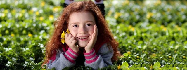 Girl Smiling Grass Flower 1280x480 640x240